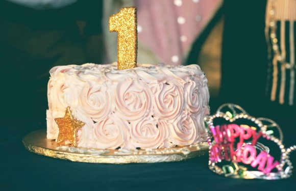 Things to know before you deliver cakes